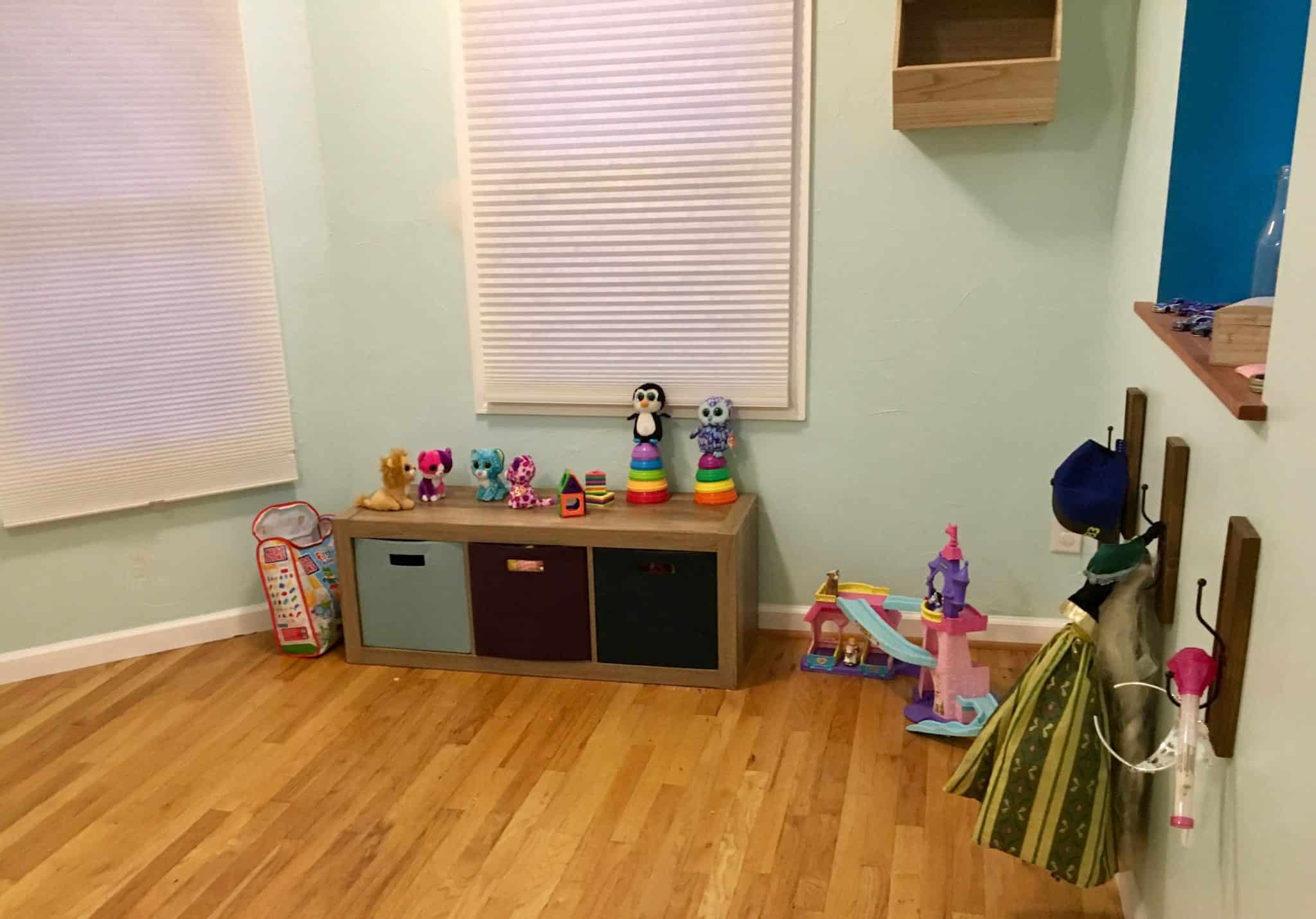 clean play room
