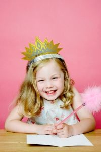 Excited-little-girl-at-party